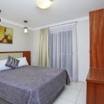 2 Storey Townhouse Queen Bedroom
