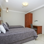 2 Bedroom Apartment - 2 Single Beds