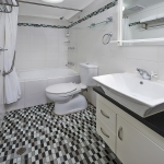 2 Bedroom Apartment Bathroom
