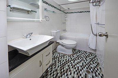 bathroom in 2 bedroom apartment